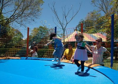 Crianças na Cama Elástica no Hotel Fazenda Mazzaropi