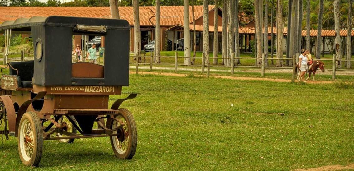 charrete hote fazenda mazzaropi - Mazzaropi está entre os 25 melhores hotéis para famílias do mundo